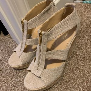 Michael kors wedged. Size 8. Great condition.